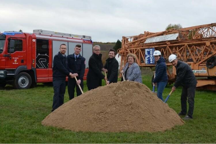 Kleinrinderfeld Neuigkeiten: Auftrakt zum Bau des neuen Feuerwehrgerätehauses