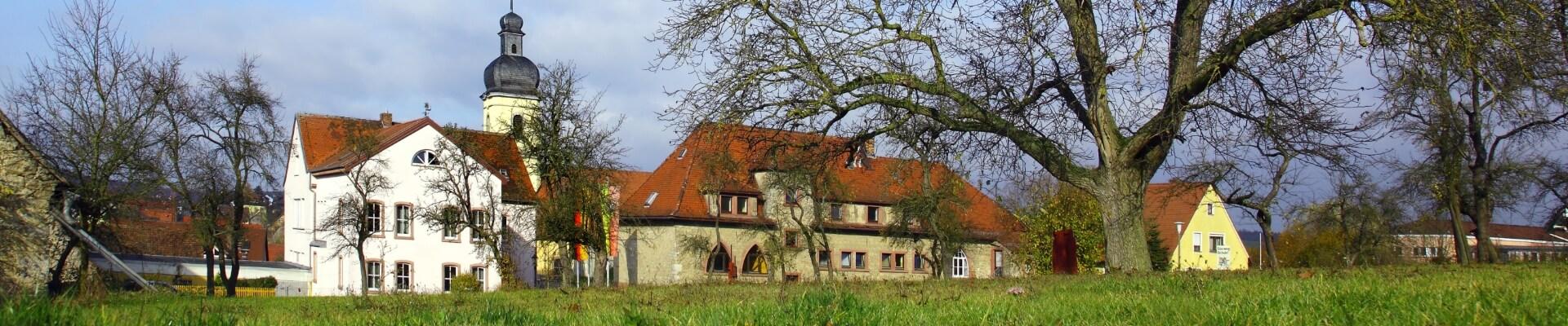 Kleinrinderfeld: Rathaus Hero